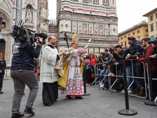 Firenze, il cardinale Betori cita l'Infinito di Leopardi nell'omelia